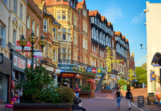 LV Jobs - Careers Website - Offices - Living in Bournemouth 3.jpg