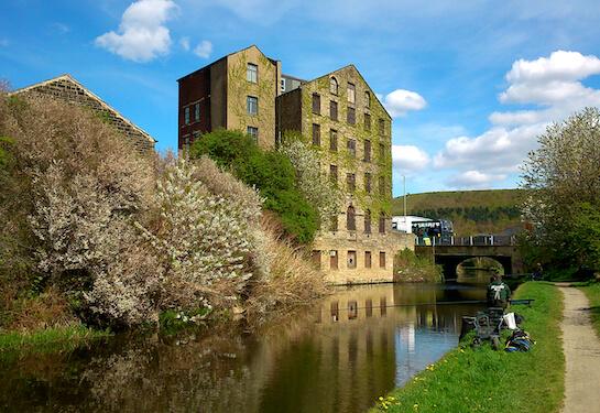 LV Jobs - Careers Website - Offices - Living in Huddersfield 3.jpg