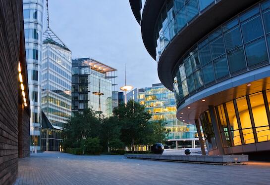LV Jobs - Careers Website - Offices - Living in London 2.jpg